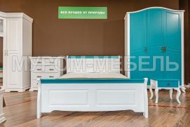 Здесь изображено Двуспальная кровать Прованс Скай (белая эмаль + бирюзовая эмаль RAL 5018)