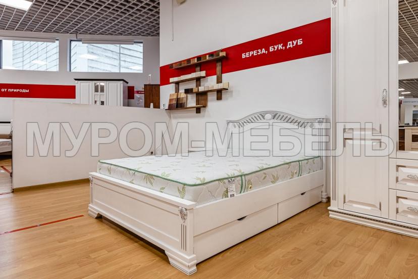 Здесь изображено Кровать Оливия (белая эмаль с серебряной патиной)