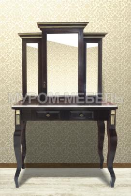 Здесь изображено Дамский столик Грета из березы